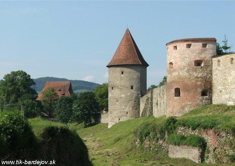 http://www.slovakiatravels.com/images/fotoalbum/cities/bardejov/bardejovbastion.jpg